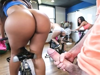 Rose Monroe in Rose's Sexercise - AssParade big ass latina porn